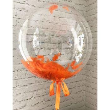 Шар баблз на обычной ленте с оранжевыми перьями