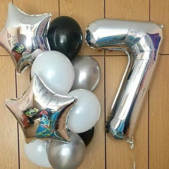 Набор серебристо-чёрных шаров и цифра 7