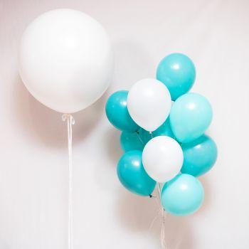 Набор шаров белого и голубого цвета